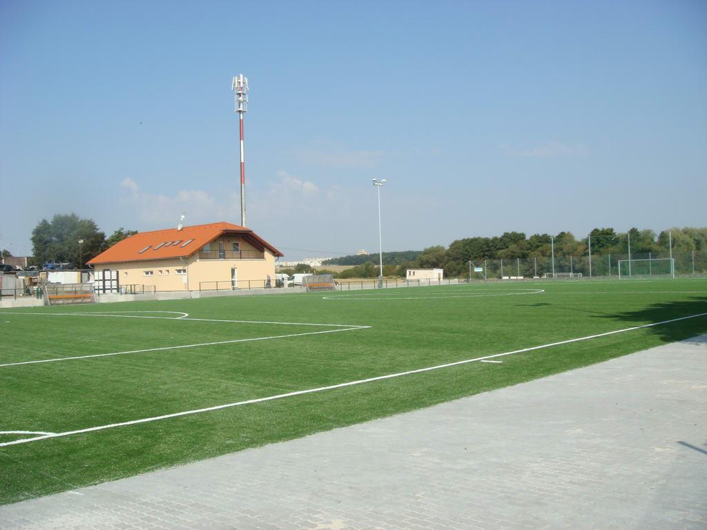 ujezd-hriste-umely-travnik-050